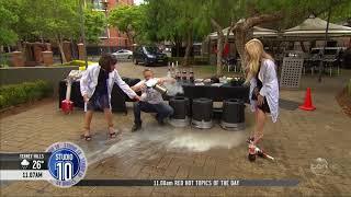 Video: VIDEO: Un experimento con una Coca-Cola casi le causa graves heridas a una presentadora de TV
