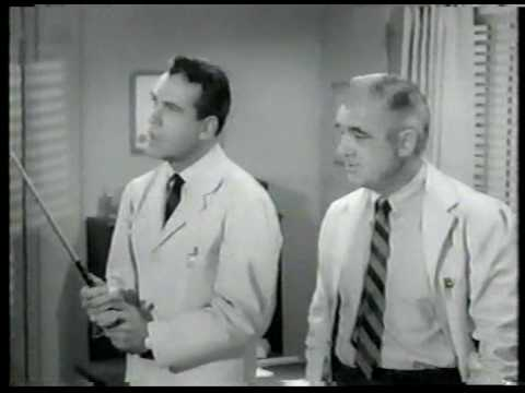Donna Reed Show S08E23 Is There A Small Hotel