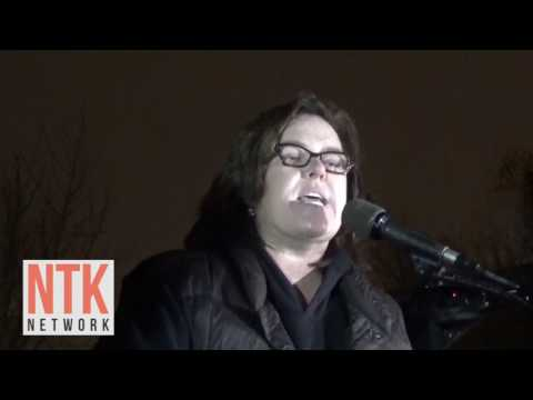 Rosie O'Donnell Loses It at Anti-Trump Rally
