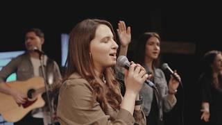Download lagu Tot ce sunt, sunt prin harul Său - Deea și tinerii Betania Botoșani (cover CityAlight)