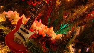 Play Canyon Road on Christmas Eve _ Hark the Herald Angels Sing