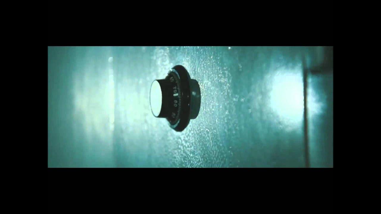Download SAFE  2012 Jason Statham -seif scene