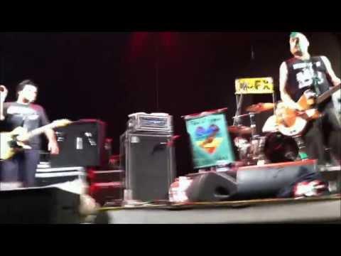 NOFX - Perfect Government + Radio (live @ Sherwood Festival, Padova - June 16, 2013)