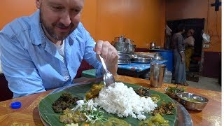 🇮🇳 Trying $1.50 Banana Leaf Thali | India Food Vlog