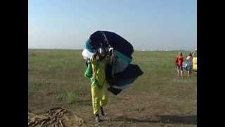 DZ Ternovka 7.07.13 [promo](Небольшой промо-ролик с прыжков, состоявшихся 7.07.2013 DZ Ternovka. Прыжки с парашютом, дропзона, парашютный спорт,..., 2013-07-09T21:08:58.000Z)
