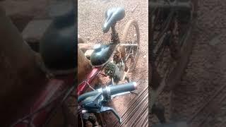 Invention de 2019 par un jeune unique au monde un vélo moto au double fonction