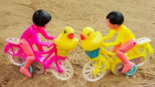 Bike group went to find and brought the duckling back to his mother - G319M Bé Cá