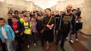 Флешмоб в метро - flashmob in underground