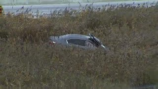 Man found dead inside crashed car on Hwy. 401