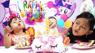 Potong Kue Ulang Tahun 🎂 Cutting Birthday Cake Jessica Jenica 💖💖💖