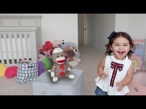 1 YEAR OLD BABY DANCING WITH DANCING MONKEY!!!