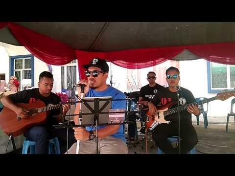 Redha (Irfan Haris) cover by Kampung Busker