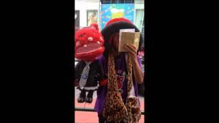 JAPONAIS qui chante l'hymne national ALGERIEN a TOKYO/ Harajuku thumbnail