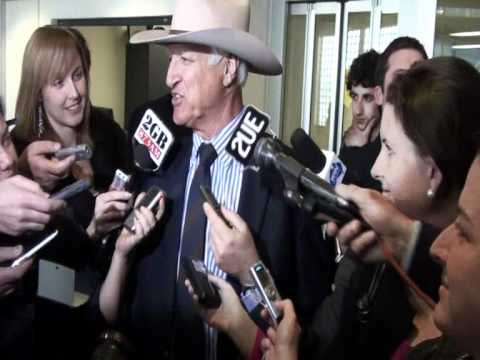 Bob Katter talking about Warren Truss