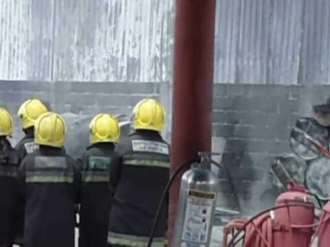 Centro de capacitación la posta curso contra incendio
