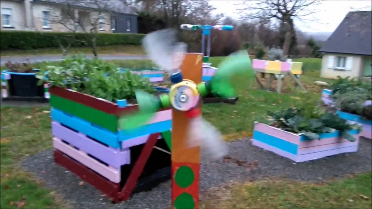 massif de jardin et jardin suspendu en palette de jardin pour les enfant de l 39 cole de th ze 64. Black Bedroom Furniture Sets. Home Design Ideas