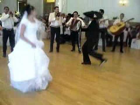 Wedding dance Jarabe Tapatio