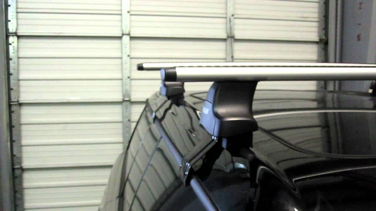 Mini Clubman with Thule 480R Traverse AeroBlade Roof Rack
