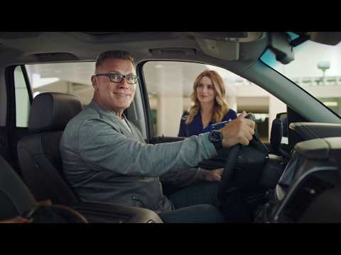 Skechers Wide Fit USA commercial with Howie Long