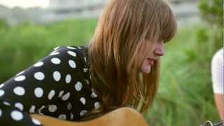 Laura James Acoustic Spotlight Thumbnail