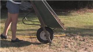 Grass & Lawn Maintenance : How to Plant Fescue Grass Seed in Late Winter