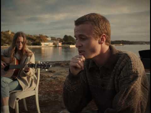 Смотреть клип Isak Danielson - Feel My Love