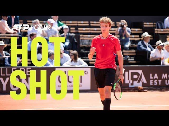 Hot Shot: Humbert Strikes Past Shapovalov   Lyon 2019