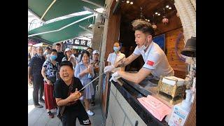 秋子小六廈門街頭試吃網紅冰淇淋,調戲大師遇到高手,今天認栽了.