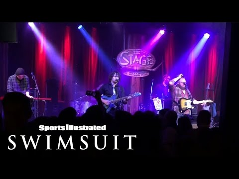 SwimDaily Raw: Martin McDaniel Band perform 'Rock Me Mama'