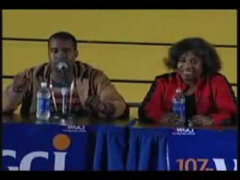 Kanye West sings for his mom