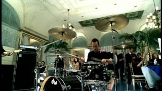 Simple Plan - Shut Up (Official Music Video)