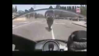 Sou piloto de fuga não tenho medo de curva