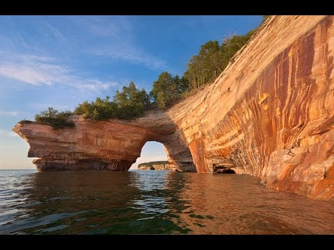 Pictured Rocks National Lakeshore Park in HD - Munising Michigan: a Video Tour