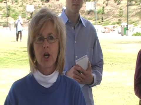 Anita Simon speaking out for Single Payer at Obama...