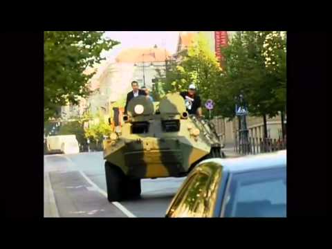 Vilnius mayor uses tank to crush car