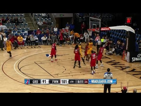 Travis Leslie posts 21 points & 14 rebounds vs. the Drive, 12/28/2016
