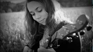 Sarah Jarosz - Here Nor There