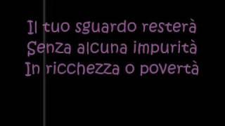 Laura Pausini Con La Musica Alla Radio
