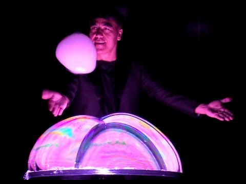 "New SeaWorld Show ""Pop"" features Bubble Master Fan Yang"