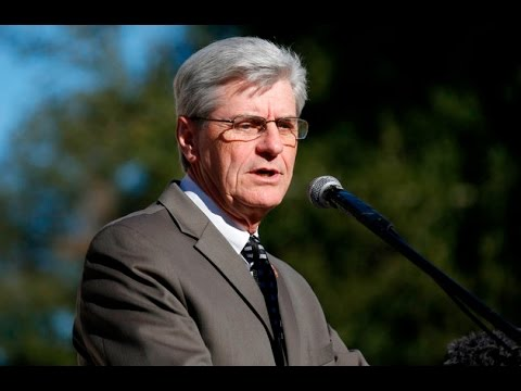Incumbent Governor Phil Bryant wins election by a landslide