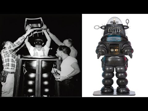 Robby the Robot sells for $ 5.3 million: the second most valuable movie accessory in history.