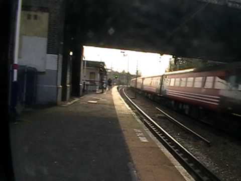 67 022 with ex-Virgin/Intercity stock at Harringay on Ladies' Charter