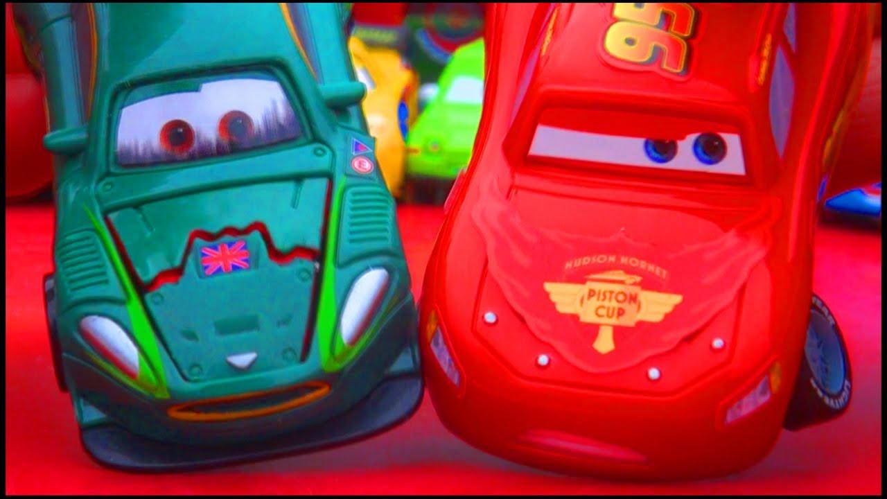 Cars 2 Quick Changers Mcqueen Nigel Gearsley Crash Damage