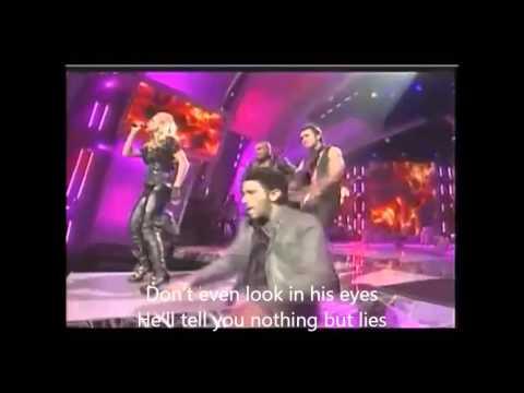Carrie Underwood - Cowboy Casanova Live with Subtitles