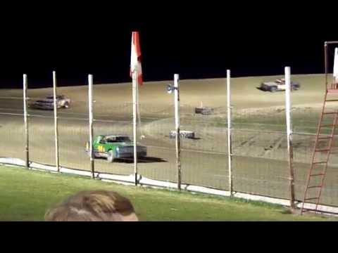 101_9499 2014-05-09 Devils Lake Speedway Hobby Stock Feature part II
