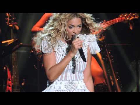 Beyce Flaws & All Mrs Carter Tour dedicated to Houst Houst ccert 7152013