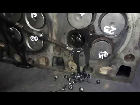 А что там внутри головки ЯМЗ-536??? Оплавленный поршень и куски поршневых колец!!!