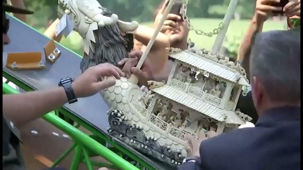 В Нью-Йорке противники контрабанды растёрли в пыль предметы из слоновой кости на сумму $8,5 млн