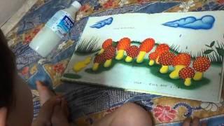 2歳6カ月。上手に絵本が読めるようになってきました。 UZURA-CHAN no KAKUREMBO(JAPANESE)