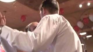 Танец папы с невестой.wmv